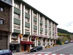 Hotel Austria ***, przelot z Katowic, karnet narciarski w cenie KTW