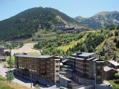 Hotel Euroequi **** Andora, przelot z Warszawy, karnet narciarski w cenie WAW