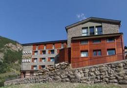 Hotel Magic Canillo **** Andora, przelot z Poznania, karnet narciarski w cenie POZ